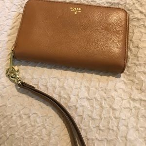 Fossil wallet clutch